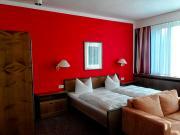 Farbenfrohes Zimmer im Albrechtshof