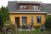 Ferienhaus mit gemütlicher Terrasse