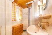 Wohnung 2 : Dusche und WC