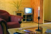 Wer unbedingt noch unobjektes Zwangsfernsehen benötigt: auch ein TV ist da!