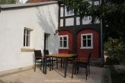 """Terrasse mit hochwertigen SitzmöbelnGarten mit Gebirgsbach """"Dammborn"""""""