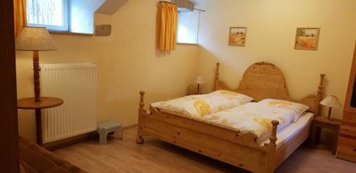Ferienwohnung 2, Doppelbett und Schlafsofa