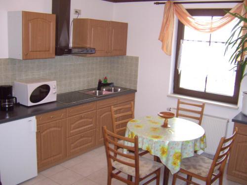 Küche in großer Ferienwohnung (I.OG)