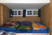 4-Bett-Zimmer in der Wanderherberge Blockhaus