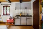 Miniküche im Wohnzimmer, Kühlschrank